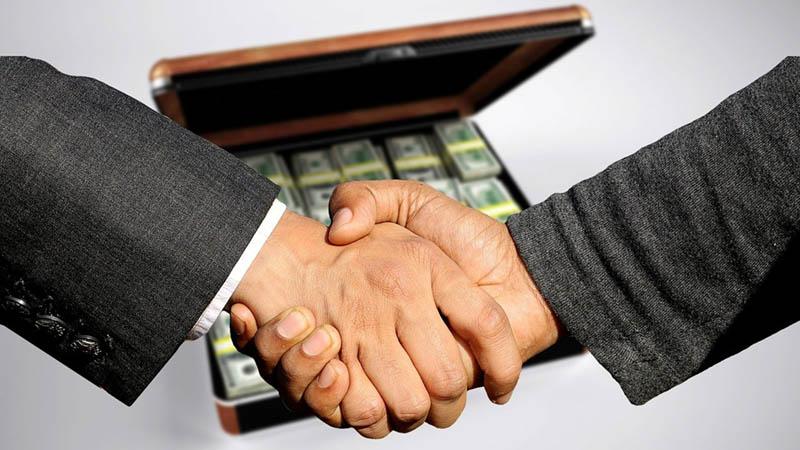 обмін валют на чорному ринку в Дніпрі (Дніпропетровську)
