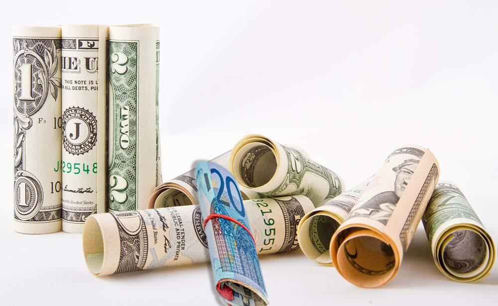 Продаж і купівля доларів і євро