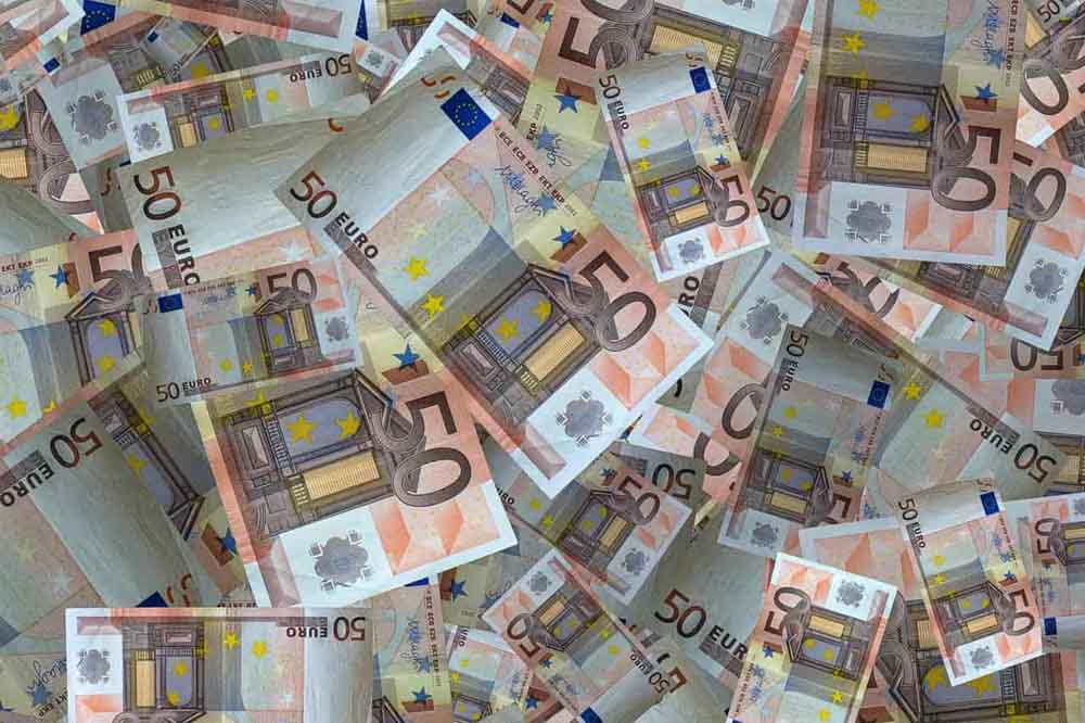 перевести долар у євро Дніпро